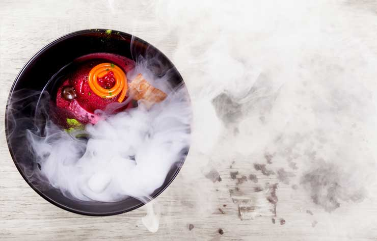 A-bowl-of-soup-with-dry-ice